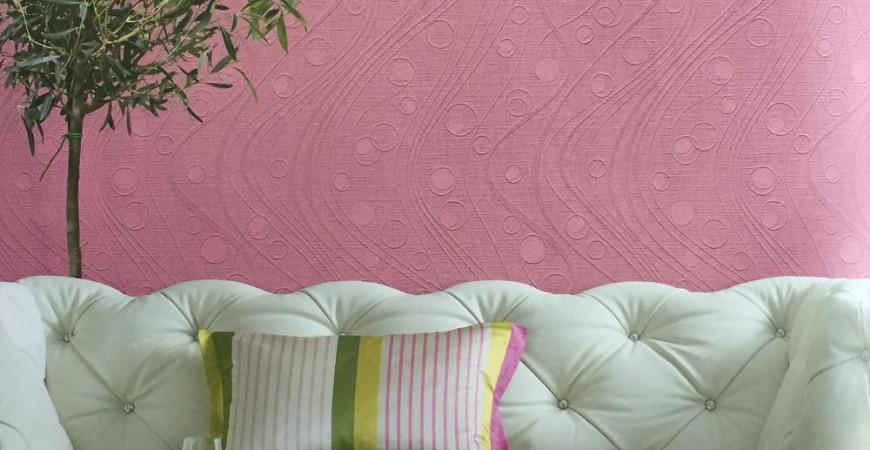 Оклейка стен флизелиновыми обоями и их последующее окрашивание